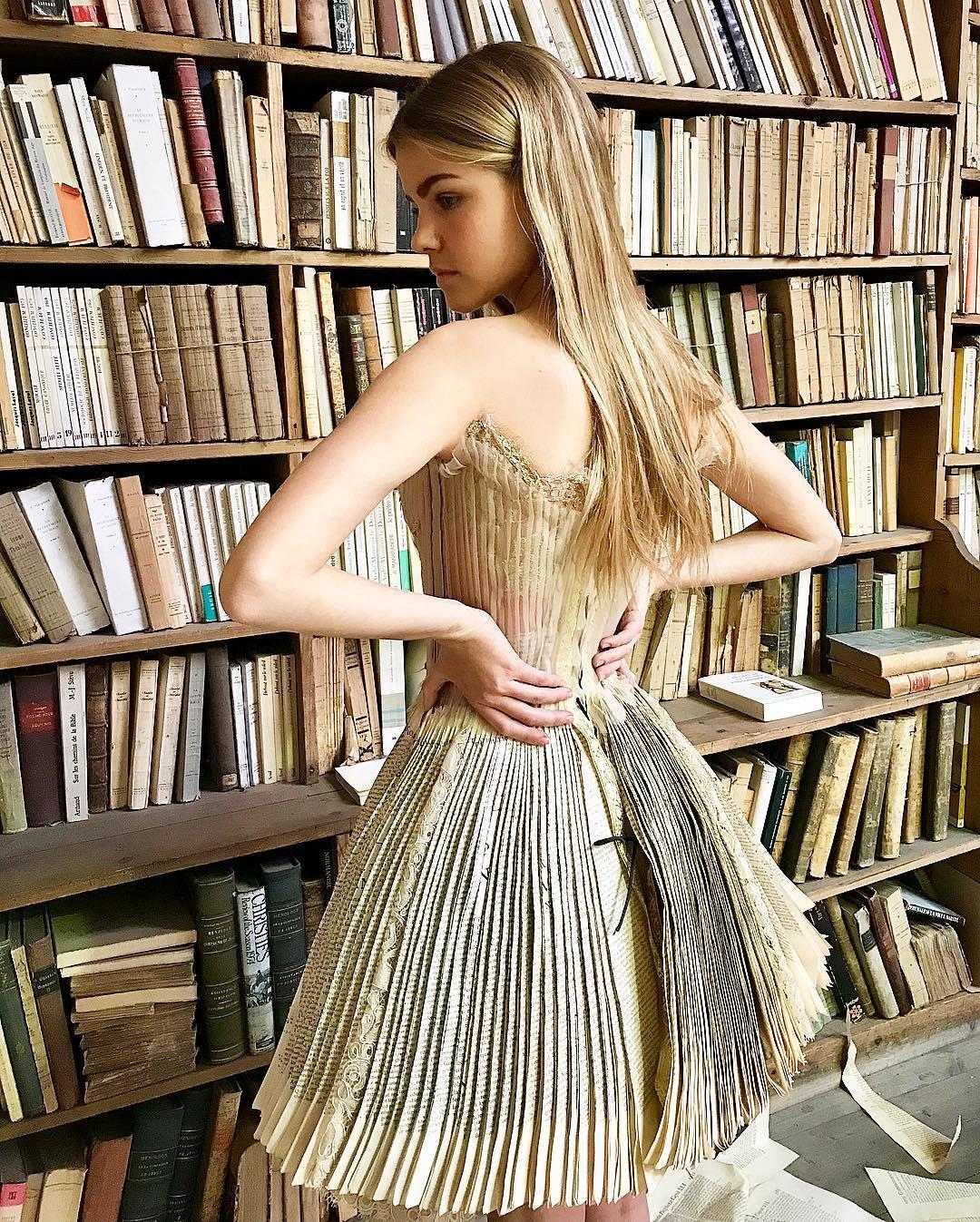 Robe livre Sylvie Facon, pages de livre
