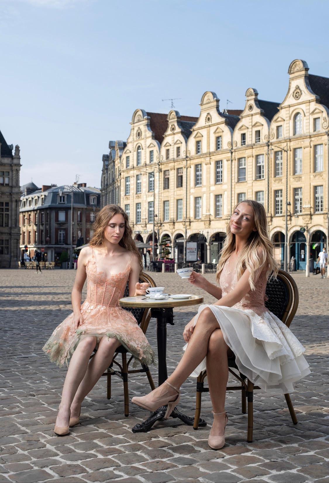 Sylvie Facon, robe de soirée, petites robes blanches, petite robe bleurie, photo: Charles Delcourt