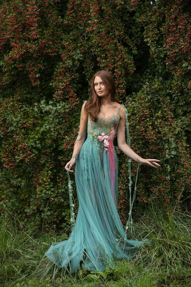 Sylvie Facon, robe fleurie. Photo : Charles Delcourt