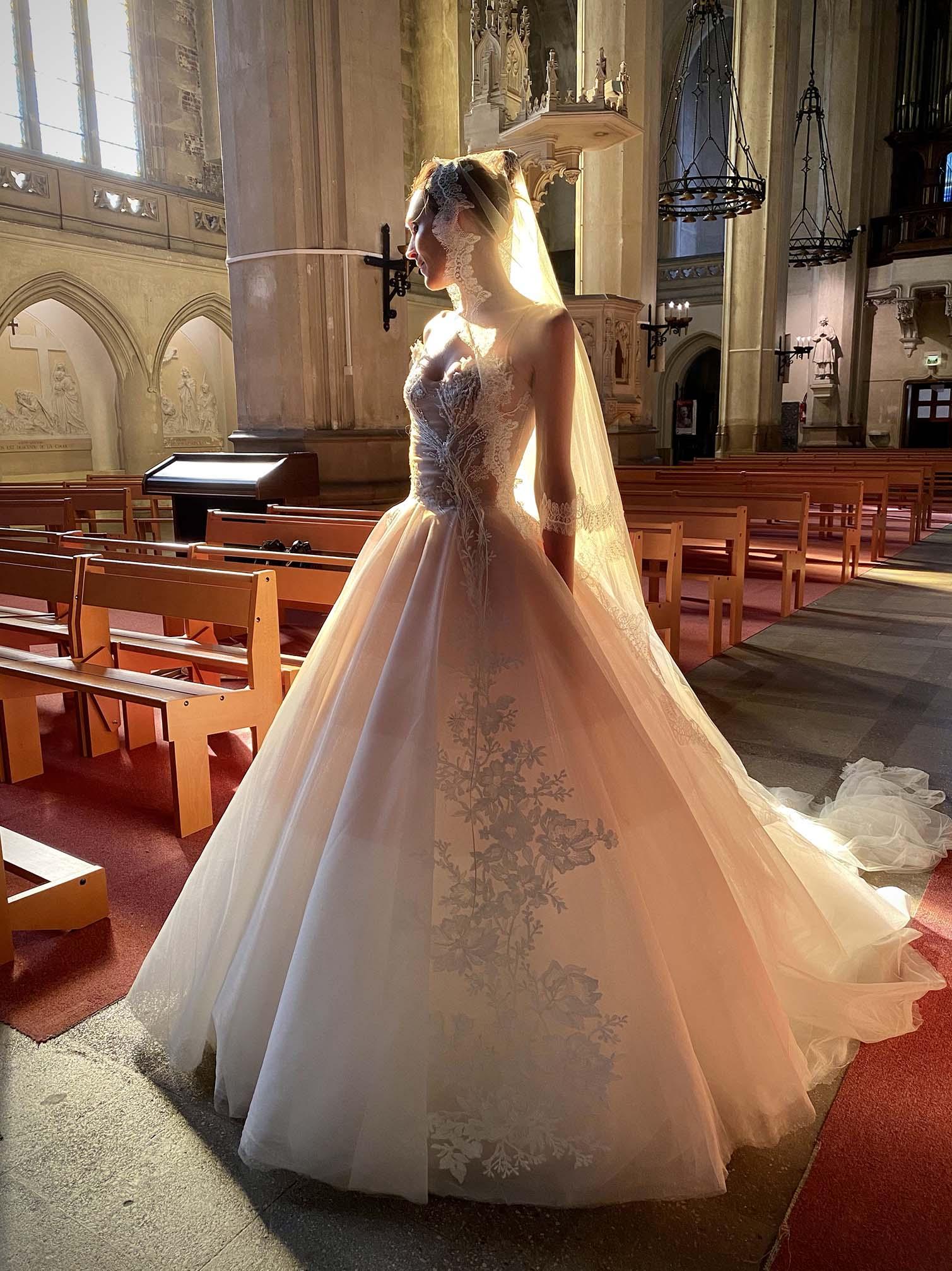 Robe de mariée Sylvie Facon, longue traîne